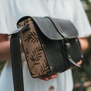 enjoythewoodestonia crossbody kott