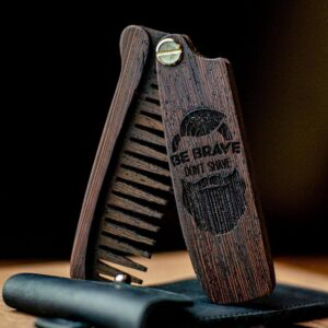 enjoyhtewoodestonia puidust kokkupandav habemekamm be brave dont shave